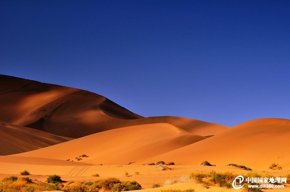 阿拉善沙漠金字塔